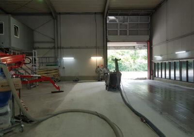 Industrie- und Lagerhallen - Boden reinigen, schleifen und polieren