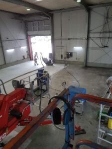 Hallenreinigung und Sanierung von Steinböden